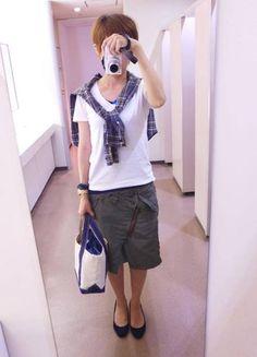 久々のジョンブルの変形スカートを着ましたよ。  シャツ/ジャーナル Tシャツ/GAP タンク/ユニクロ スカート/ジョンブル 靴/Dhyana バッグ/L.L.Bean