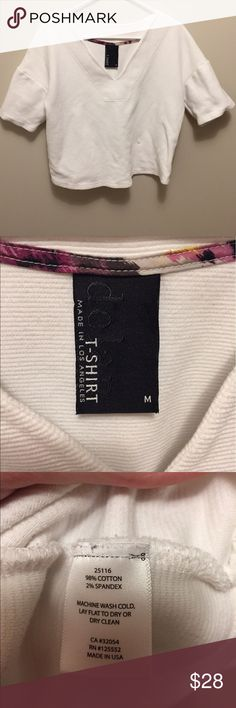 Anthropologie Dolan white textured crop top shirt Never worn Dolan (sold at Anthropologie) white slightly cropped shirt, relaxed fit, size medium. Anthropologie Tops Crop Tops