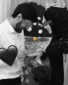 Cute Muslim Couples, Old Couples, Cute Couples, Couple Shadow, Muslim Images, Muslim Couple Photography, Elegant Modern Wedding, Cute Baby Boy Outfits, Arabic Mehndi Designs