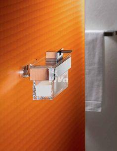 nástenný dávkovač tekutého mydla Emco Vara