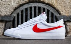 Nike Tennis Classic AC White & Uni Red