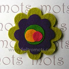 Broche de fieltro flor raquel