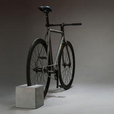 BikeBlock bike stand from urbanature