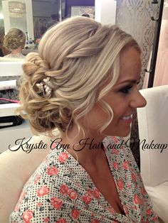 Beautiful Beachy Updo!  Hair: www.krystieann.com  Venue: Jellyfish Restaurant Punta Cana  Beach Wedding hair, bridal hair, wedding updo, bridal updo, blonde updo, wedding hair, wedding hairstyles, romantic updo, punta cana wedding, punta cana bride, jellyfish brides, jellyfish weddings
