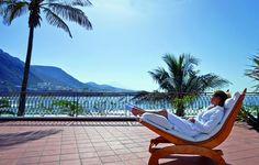 Océano Hotel Health Spa, Tenerife, Spain offers the famous FX Mayr Cure detox, Thalasso & Yoga programs away from the masses in a beautiful seaside location. Tenerife, Hotel Am Meer, Night Detox, Wellness, Detox Program, Hotel Spa, Outdoor Furniture, Outdoor Decor, Hammock