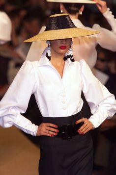 Yves Saint Laurent Spring 2001