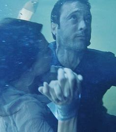 ♥♥♥ H50 - Claire Forlani and Alex O'Loughlin - ep 7.04 - scary underwater scenes