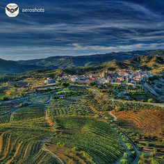 Nice pic from Gratallops, #Priorat in Costa Daurada by @aeroshots... The soft evening light falls on the green and golden fields of Priorat, land of legendary wines, lovely people and dreamlike landscapes. Find out slowly, savoring and enjoying it to the last drop. Picture by @aeroshots (Instagram)