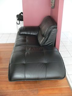 Leather Couch Rehabilitation With Dye Conditioner Hole