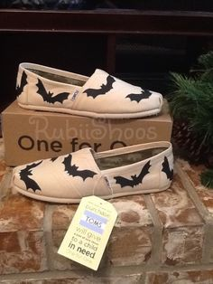 9409f07e0ec Rubiishoos Original- Halloween-Haunted- Black Bats- Natural Toms- Halloween  Gift- Animal- Spooky- Hand Painted- Slip On- Toms