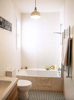 Step Into an Illustrator's Sunny, Spanish Flat – Design*Sponge Bathroom Renos, White Bathroom, Small Bathroom, Master Bathroom, Tiny Bathrooms, Beautiful Bathrooms, Best Bathtubs, Bathroom Design Inspiration, Flat Design