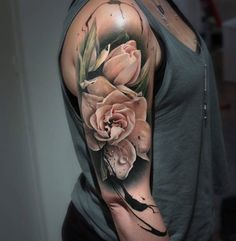 Artist Sandra Daukshta
