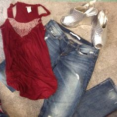 NWOT Great sleeveless shirt size small Works with jeans and heels. Also works with dress pants Daytrip Tops