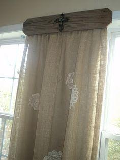 Ideas bathroom window treatments diy wood valance for 2019 Wood Valance, Burlap Curtains, Valance Ideas, Hanging Curtains, Ikea Curtains, Gold Curtains, Curtains Living, Velvet Curtains, Cafe Curtains