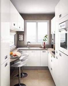 Cuisine aménagée petit espace modèle Kiffa. http://www.m-habitat.fr/par-pieces/cuisine/amenager-une-petite-cuisine-2617_A