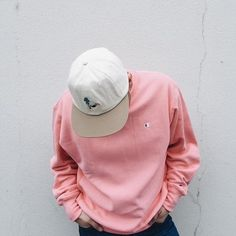 inspiration spring summer quartz rose pantone of the year pink men's fashion Champion Sweatshirt, Crew Neck Sweatshirt, Urban Fashion, Street Fashion, Urban Outfitters Men, Tomboy Fashion, Men's Fashion, Runway Fashion, Pastel Fashion