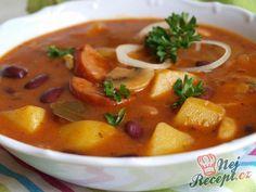 Bramborový gulášek | NejRecept.cz Czech Recipes, Ethnic Recipes, Goulash, Yams, Kitchen Hacks, Thai Red Curry, Stew, Food And Drink, Potatoes
