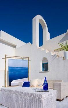 Santorini Design Ideas, Pictures, Remodel, and Decor Blue Furniture, Patio Furniture Sets, Furniture Design, Greek Bedroom, Blue Bedroom, Greek Decor, Azul Indigo, Greek Blue, White Gardens