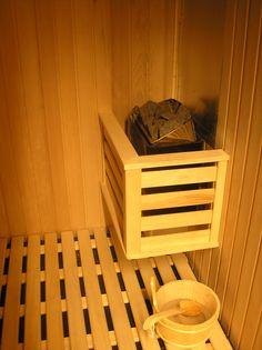 El #Sauna o Baño de Vapor, es una excelente práctica que te ofrece múltiples beneficios si lo sabes utilizar. Te recomendamos no tomar más de 2 sesiones al día y no más de 3 veces a la semana.   #ThaiSpaTips