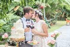Lavish dessert table | Karism Photography | see more on: http://burnettsboards.com/2015/02/colonial-vintage-garden-wedding/
