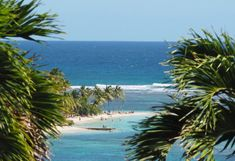 Plage à Sainte-Anne, Grande-Terre, Guadeloupe : se baigner dans les Caraïbes... Union Territory, St Anne, Places To Travel, North America, Caribbean, To Go, France, Water, Outdoor