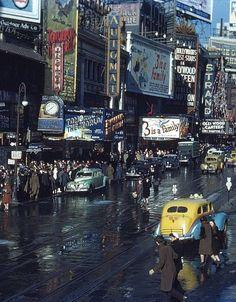 Times Square, New York City, 1944 photo via besttravelphotos