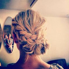 Braided updo para the Goose's deb ball