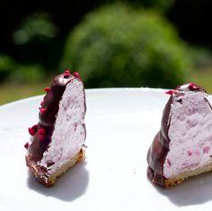Madgladmad - flødeboller - Mette Blomsterberg Food, Meals, Yemek, Eten