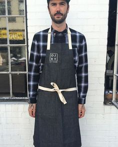 ⚡️⚡️ Really digging our custom aprons #handcrafted in Brooklyn by the uber-talented @victoriaadriannn  #dirt #dirteatclean #eatatdirt #apron #design #fashion #style