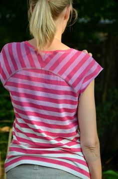 Ist das nicht ein schöner Farbverlauf bei diesem T-Shirt? Selbst genäht nach dem Schnittmuster Bethioua von Elle Puls