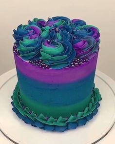 Amazing Cake Design Credit: – Cakes and cake recipes Food Cakes, Cupcake Cakes, Crazy Cakes, Cake Decorating Videos, Cookie Decorating, Cake Decorating Amazing, Cake Decorating For Kids, Decorating Ideas, Birthday Cake Decorating