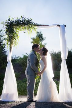 Wedding Arbor | Wedding Arch | Green and White Wedding Arch | Wedding Backdrop | Heritage Hall Wedding | Kirkland Wedding Planner | Hawaiian Wedding Planner | Nick Leung Photography