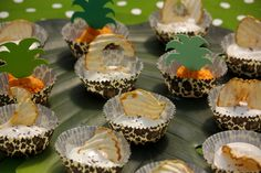 TROPICAL PARTY   Kikipelosi #soyyogurt #alpro #apple #chiaseeds #petfood #petparty #dogfood Tropical Party, Animal Party, Chia Seeds, Mini Cupcakes, Dog Food Recipes, Apple, Desserts, Apple Fruit, Tailgate Desserts