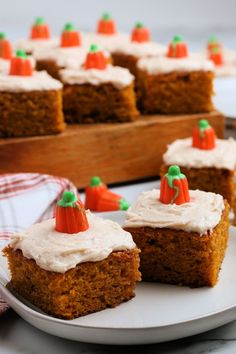 These super soft pumpkin bars are topped with a creamy pumpkin spice topping. Hands down these are the best pumpkin bars with cream cheese frosting! Easy Summer Desserts, Unique Desserts, Easy No Bake Desserts, Dessert Recipes, Dessert Ideas, Yummy Recipes, Pumpkin Bars, Best Pumpkin, Pumpkin Dessert