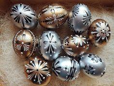 Ukrainian Easter Eggs, Quail Eggs, Easter Stuff, Iranian Art, Egg Art, Egg Decorating, Close To My Heart, Egg Shells, Gourds