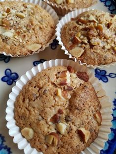 Muffins med makron, mandler og chokolade - små makronkager | NOGET I OVNEN HOS BAGENØRDEN