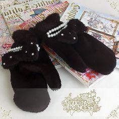 $13 ~ Black Fuzzy Loli Mittens ~ Lolita Princess ~ OK, another winter item but I love mittens so...oh well.