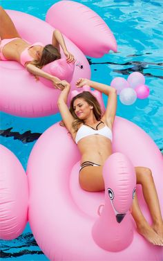 Fun flamingo pool floats
