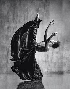 Des photographies de danse aussi puissantes que magnifiques, réalisées par le photographe russe Alexander Yakovlev, basé à Moscow, qui parvient à capturer