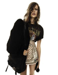 bold outfit > decorated and luxury skirt - led zeppelin shirt - fur coat