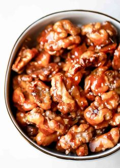 Candied Walnuts Recipe {5 Minutes} Caramelized Walnuts, Candied Walnuts, Fat Burger, Walnut Recipes, Simply Recipes, Salad Recipes, Candy Recipes, Pie Recipes, Yummy Snacks
