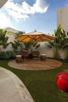 "INTERIOR PORN on Twitter: ""Dream backyard 🥰… "" Backyard Seating, Backyard Patio Designs, Small Backyard Landscaping, Landscaping Ideas, Deck Patio, Patio Table, Mulch Landscaping, Simple Backyard Ideas, Backyard Pergola"