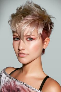 Are you dreaming of trying short pixie hairstyles? 2018 is just the right time for you to try out this hair styling. Girl Short Hair, Long Curly Hair, Short Hair Cuts, Protective Hairstyles, All Hairstyles, Front Hair Styles, Short Pixie, Stylish Hair, Pixie Haircut