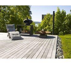 Bilderesultat for terrasse Fence Design, Garden Design, Fancy Fence, Wood Deck Designs, Planter Box Designs, Hardwood Decking, Contemporary Planters, Garden Screening, Biarritz