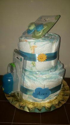 Tarta de pañales de 2 pisos y chupetes y portachupetes, para celebrar el nacimiento de Ares!