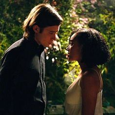 """Hey #MMT Fam! We have a 2nd giveaway for the upcoming film #EverythingEverything screening next Monday! Get contest info at musicmoviesthoughts.com or click link in profile!  EVERYTHING, EVERYTHING is a wondrous coming-of-age love story based on the New York Times bestselling YA novel by #NicolaYoon. It stars #AmandlaStenberg who audiences know as Rue in """"The Hunger Games"""" and #NickRobinson who is best known as Zach in """"Jurrasic World."""" Opens nationwide on May 19!  #movieblog #filmblog…"""