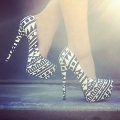 These Aztec heels really do give a bold statement, in my opinion these would look nice with a coral coloured dress.