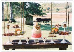 Una presentación muy original para una mesa de dulces en una boda / A very original presentation of the sweet table at a wedding