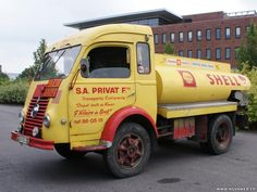 EXP Autos Pro - Category: - Marque: - Petite annonce véhicule et automobile Fuel Truck, Train Truck, Antique Trucks, Vintage Trucks, Shell Gas Station, Royal Dutch Shell, Heavy Machinery, Heavy Truck, Commercial Vehicle
