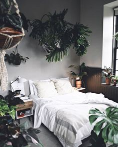 Bedroom Decor Fascinating Ideas On A Budget For Boho Bedroom With Plants And Textiles;Bohemian Bedroom Decor And Bedding Design Ideas Bedroom Inspo, Bedroom Decor, Bedroom Ideas, Bedroom Designs, Garden Bedroom, Urban Bedroom, Trendy Bedroom, Best Bedroom Plants, 1930s Bedroom